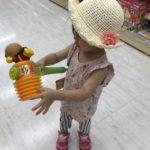 アンパンマンを持つ娘